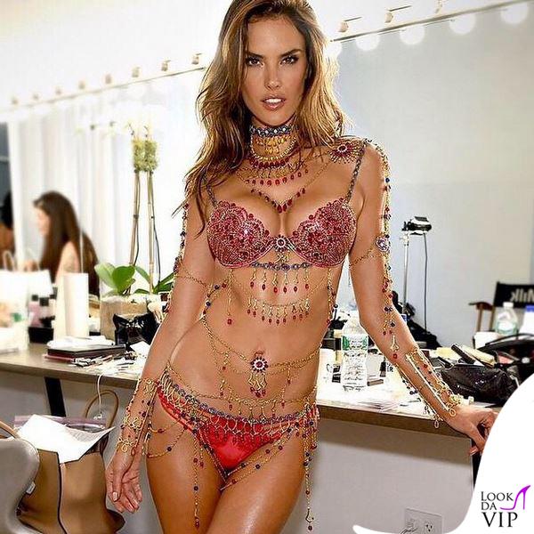 Alessandra-Ambrosio-Victorias-Secret-Dream-Angels-Fantasy-Bras-2014-3