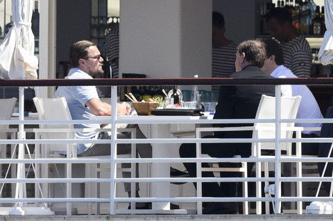 Leonardo di caprio pranzo di lavoro mentre a casa l for Costruisci mentre vai a casa