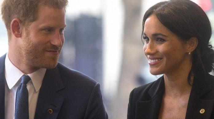 Meghan e Harry non sono più Altezze Reali: «Devono restituire 2,4 milioni di sterline».