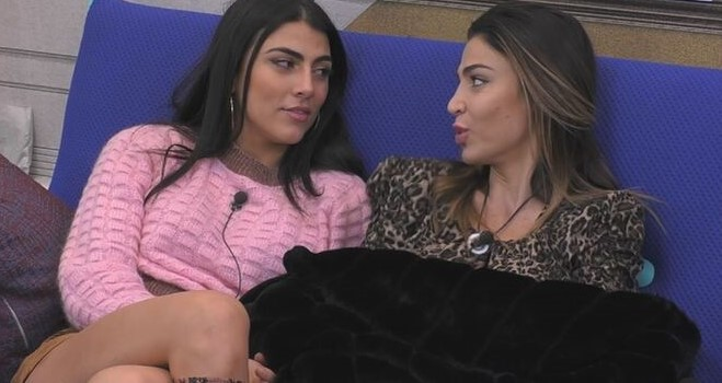 Gf Vip. Cecilia Capriotti, la proposta choc a Giulia Salemi. Fan furiosi: «Ma è impazzita?»